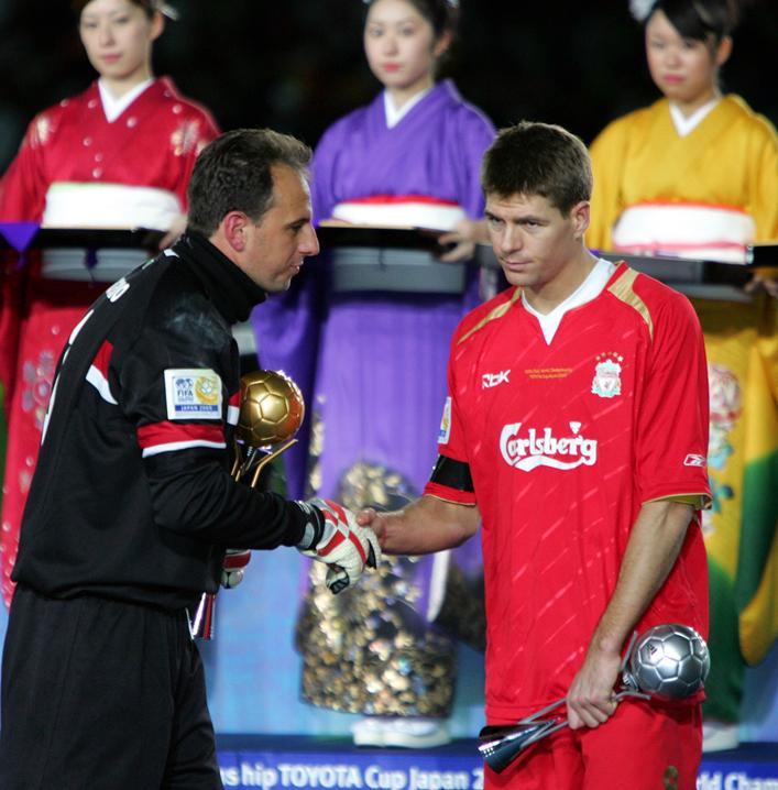 Faz 10 anos, que Ceni bateu o Liverpool !