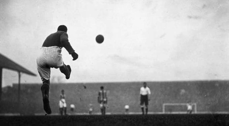 História com 116 anos: o primeiro golo de um guardião…