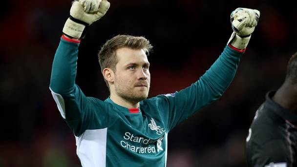 Mignolet dá as boas-vindas a Karius no Liverpool