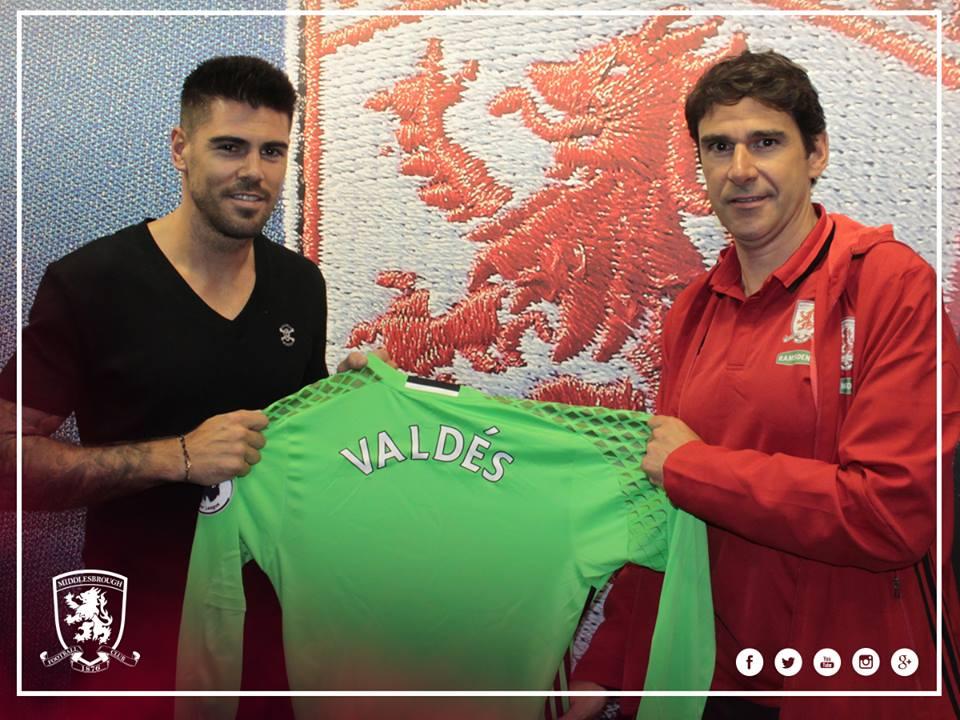 Oficial: Victor Valdés assina pelo Boro