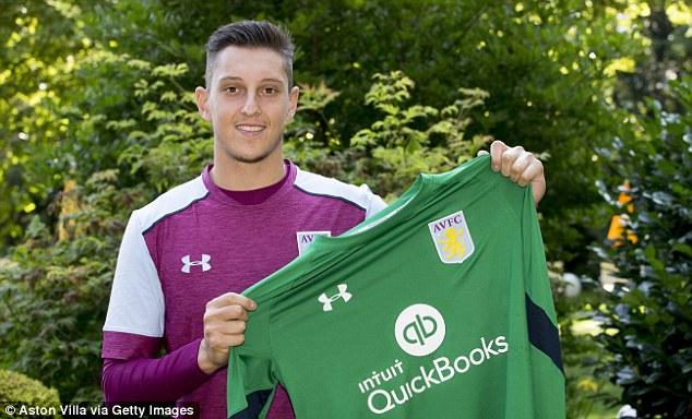 Aston Villa contrata jovem italiano para a baliza