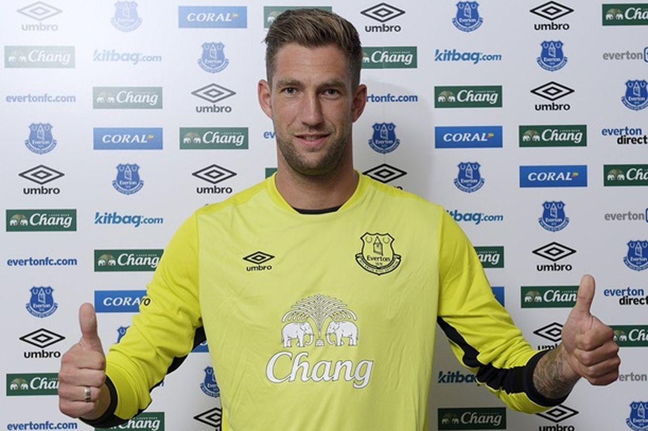 Everton contrata ex-Fulham