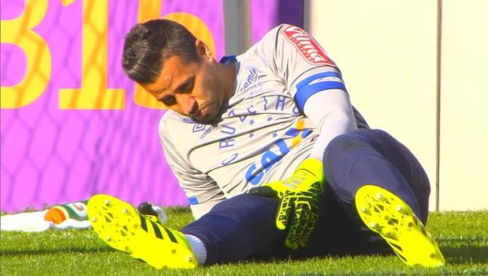 Fábio sofre lesão grave e só volta em 2017