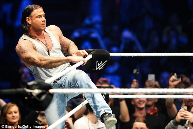 Tim Wiese em combate no ringue (video)