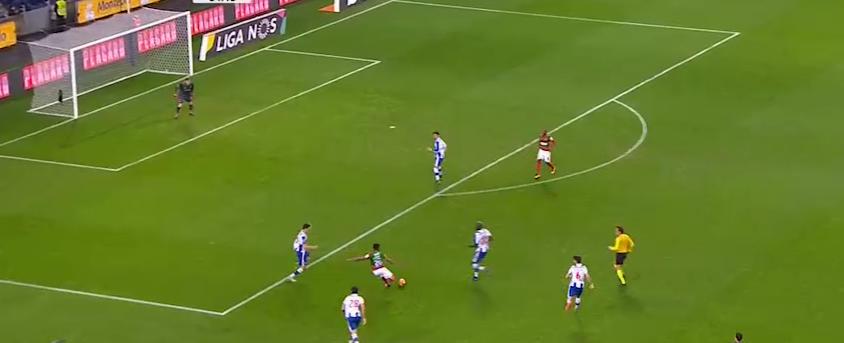 O posicionamento de Iker num golo de defesa (quase) impossível