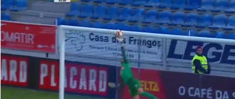 A defesa magistral de Moreira vs Feirense! (video)