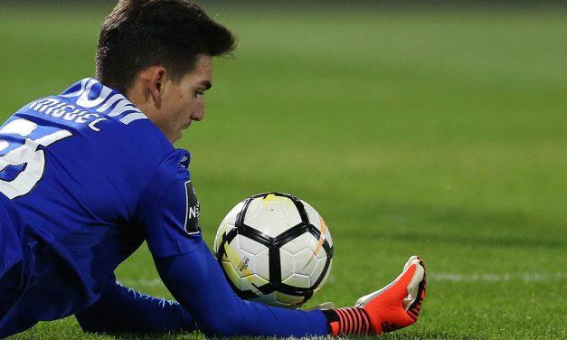 Miguel Silva e o Vitória SC: Inconsistência mútua devido a múltiplos culpados