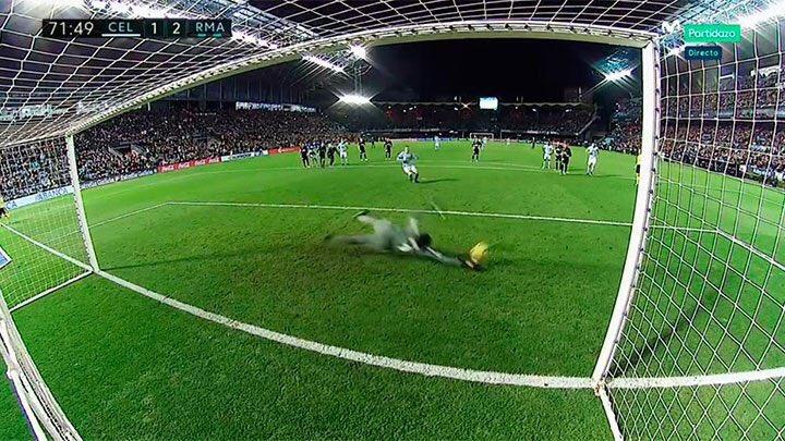 Fez penalti e defendeu-o…. bem longe da linha. Keylor Navas em Vigo (video)