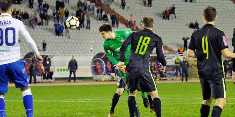 O guardião do Hadjuk Split, Letica, foi à frente dar a vitória aos 95 minutos! (video)