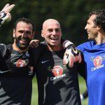 """O treino no Chelsea: Formação e rendimento masculinos e """"Ladies""""! (video)"""