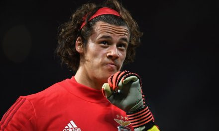Mile Svilar em dois momentos chaves na vitória vs Arouca na Taça de Portugal. A defender e… passar (VIDEO)