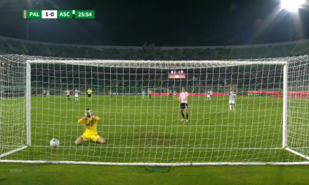 De meter as mãos à cabeça: O auto-golo insólito na 2a liga italiana… (VIDEO)