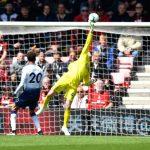 """A estreia na Premier League de Mark Travers: Defender tudo contra os """"Spurs""""! (VIDEO)"""