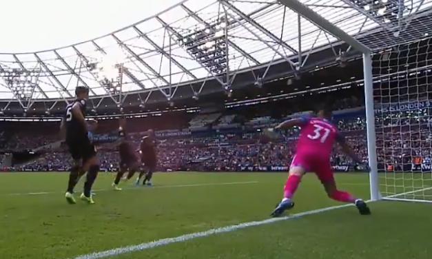 O início da Premier League para Ederson Moraes: Uma dupla defesa incrível! (VIDEO)