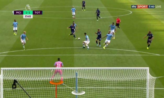 A perda de noção do espaço e da baliza no momento do recuo – Ederson vs Tottenham (Análise)