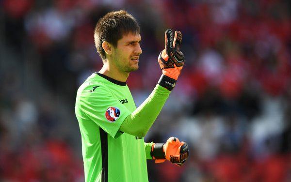 Nos primeiros minutos oficiais da época para Tatarusanu, fez uma exibição incrível contra Espanha! (VIDEO)