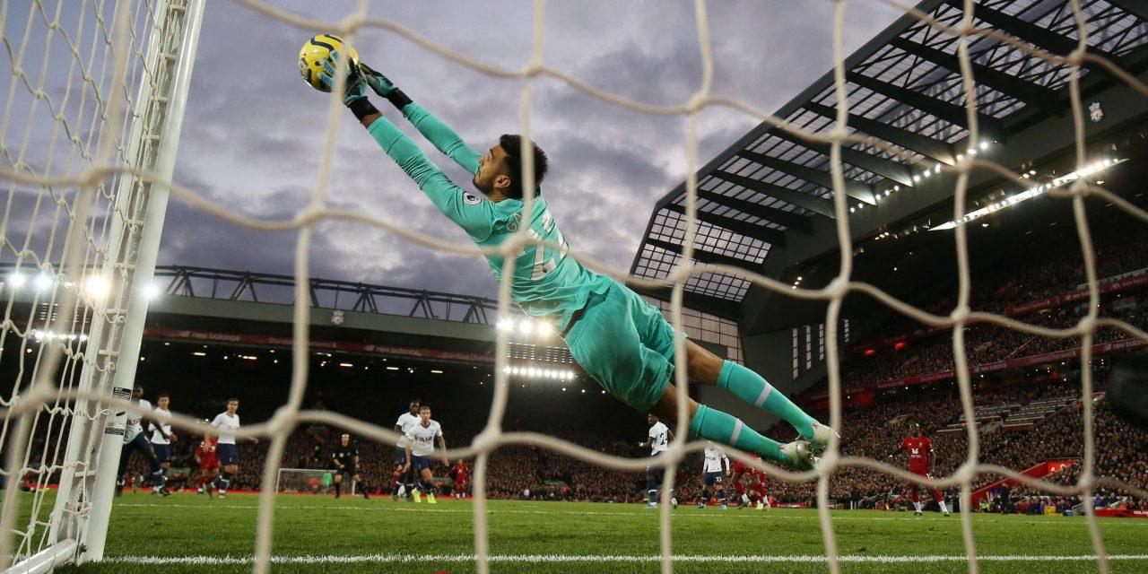 A incrível exibição de Gazzaniga que tentou de tudo para parar o Liverpool! (VIDEO)