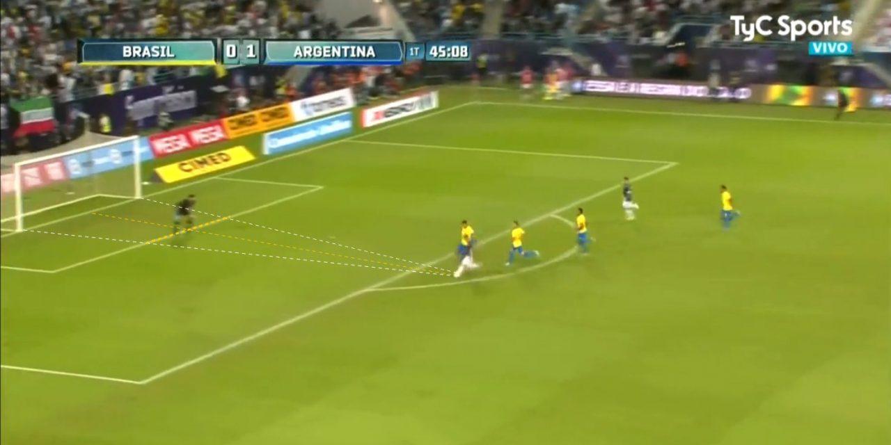 """Alisson: de um lance difícil contra Messi, transformar numa defesa """"fácil"""" (VIDEO)"""